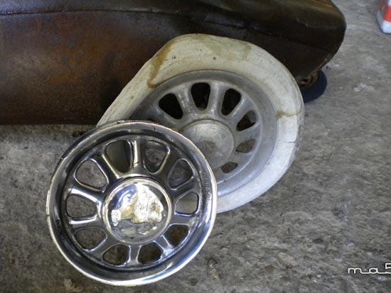 restauration d'une voiture a pédale Lotus en tôle